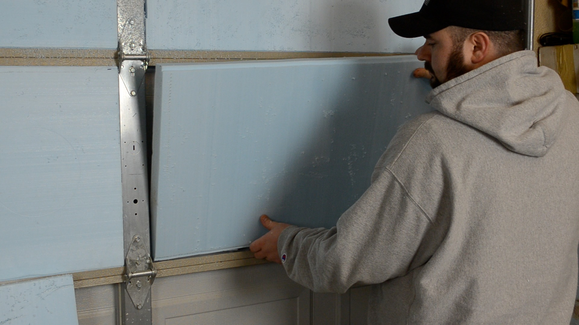 how to cut insulation lengthwise