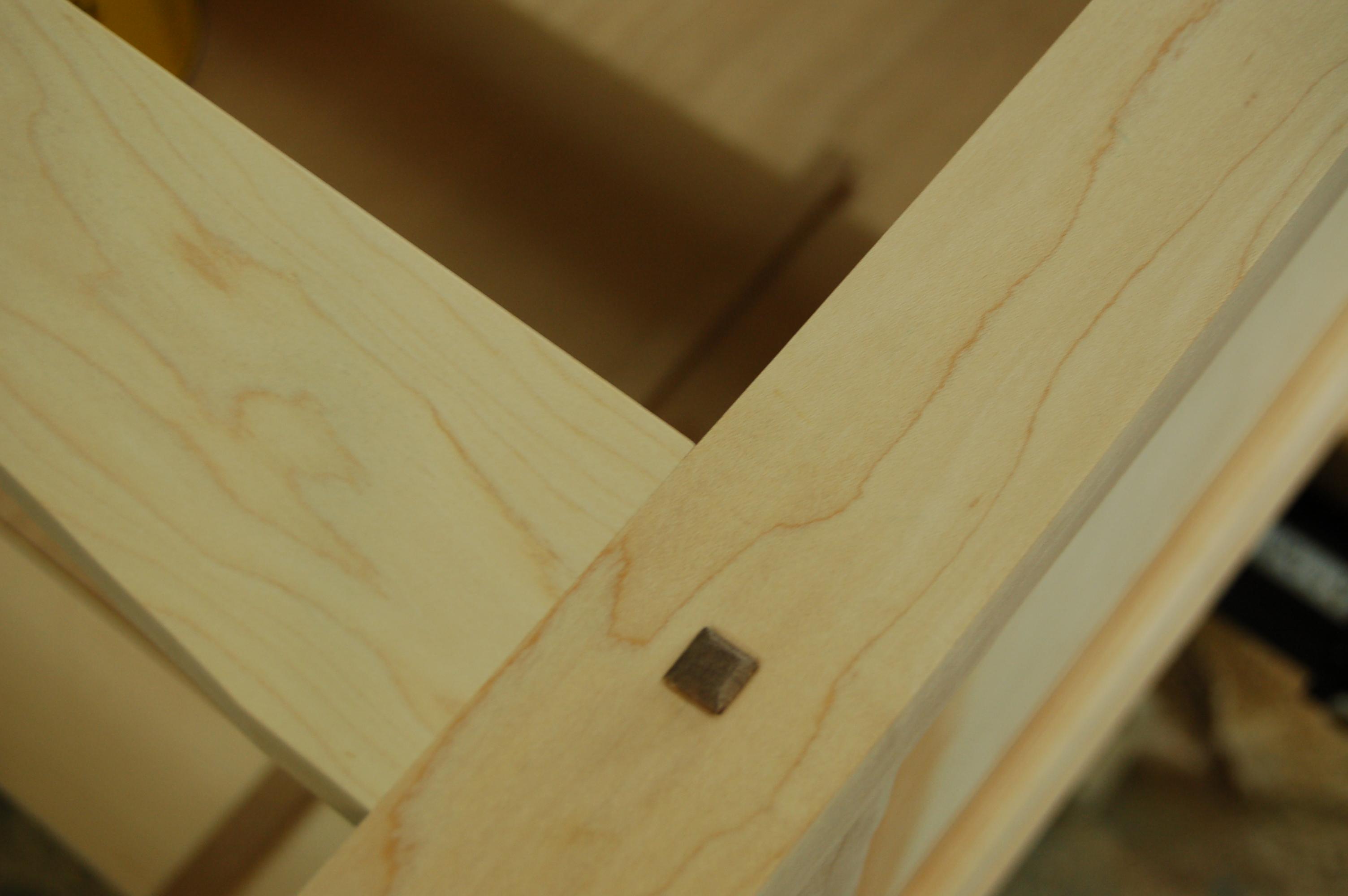 187 8 Drawer Maple Dresser