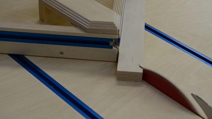 » Table Saw Cross-Cut & Miter Sled In One (ep58)