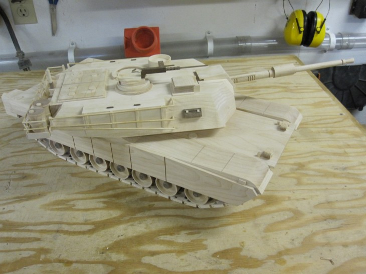 Kenbo Wooden Tank Model