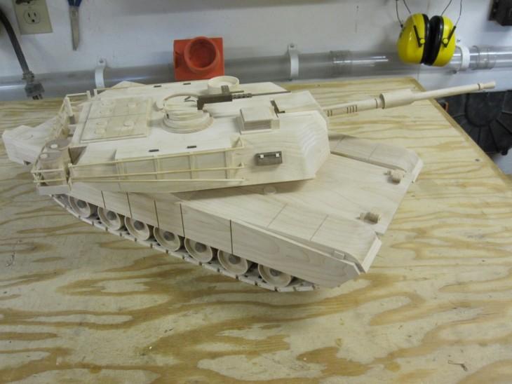 Kenbo Wooden Tank Model