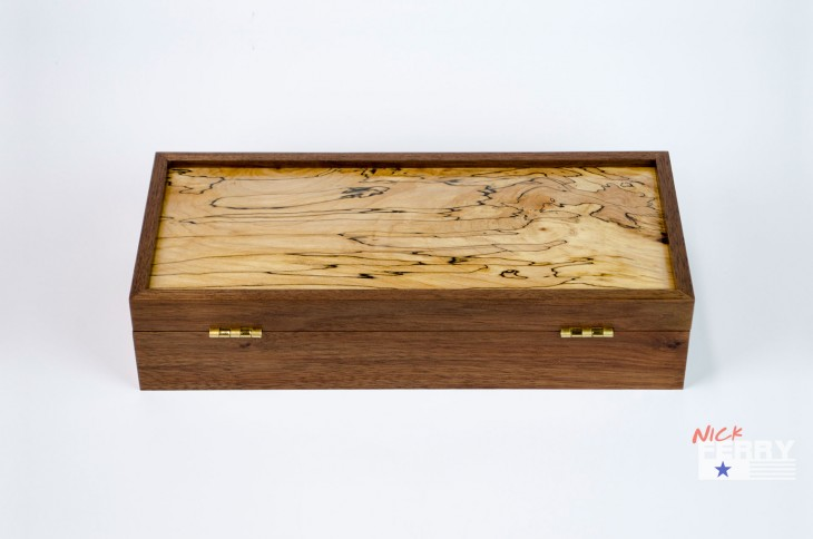Walnut and Maple Keepsake Box 01