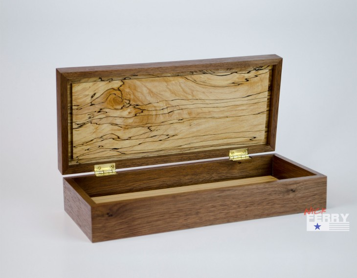 Walnut and Maple Keepsake Box 05